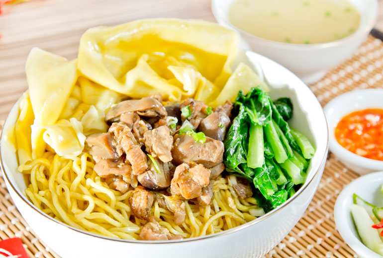 Image result for mie pangsit